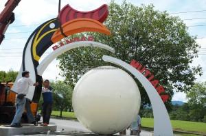 Bandar Mutiara, sculpture, Borneo, dayak bidayuh, Entikong, Malaysia, news, Pontianak, 沙捞越, town, update, transborder, crossborder,