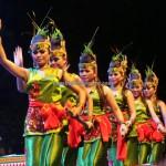 Lomba Tarian Pendalaman, Festival Budaya, Isen Mulang, Indonesia, Palangka Raya, cultural dance, carnival, pesta adat, Suku Dayak, Obyek wisata, Tourist attraction, tradisional, travel guide, 土著文化舞蹈, Indigenous, 婆罗洲文化舞蹈