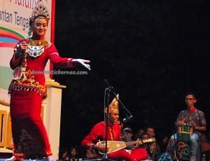 Lomba Jawi Nyai, Isen Mulang, Indigenous, cultural dance, pesta adat, carnival, Borneo, Kalteng, Indonesia, Palangkaraya, Ethnic, Suku Dayak, Pariwisata, traditional, tribe, backpackers,