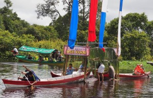 Lomba Besei Kambe, authentic, Borneo, Central Kalimantan, 中加里曼丹, Indonesia, Palangka Raya, carnival, culture, Kahayan bridge, Kahayan River, native, suku dayak, Pariwisata, tourist attraction, travel guide,