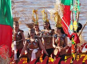 River Parade, Lomba Jukung, Festival budaya, Isen Mulang, Pesta adat, Authentic, Borneo, Kalteng, Palangkaraya, culture, native, Sungai Kahayan, Obyek wisata, Tourism, traditional, tribe