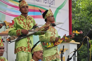 singing contest, Lomba Karungut Putra, Festival Budaya, Isen Mulang, authentic, Borneo, 中加里曼丹, Palangka Raya, culture, event, carnival, native, Obyek wisata, Tourism, tradisional, travel guide,