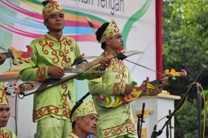 singing contest, Lomba Karungut Putra, Festival Budaya, Isen Mulang, authentic, Borneo, 中加里曼丹, Palangka Raya, culture, event, carnival, native, Obyek wisata, Tourism, tradisional, travel guide,