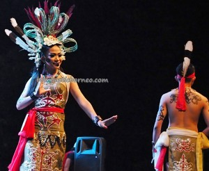 Lomba Jagau, authentic, Indigenous, cultural dance, Festival Budaya, beauty contest, Kalimantan Tengah, 中加里曼丹, Kalteng, Indonesia, native, Ethnic, Tourism, traditional, tribal, backpackers,