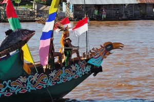 River Parade, Lomba Jukung, Festival budaya, indigenous, backpackers, 中加里曼丹, Kalteng, cultural dance, travel, Suku Dayak, Sungai Kahayan, Obyek wisata, tourism, tribal, tribe, native,