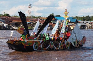 Lomba Jukung, Pesta adat, Authentic, Borneo, Central Kalimantan, 中加里曼丹, Indonesia, culture, Ethnic, native, Kahayan River, Obyek wisata, Tourism, travel guide, tribal, tribe