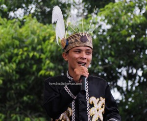 singing contest, Festival Budaya, Isen Mulang, Indigenous, Borneo, Central Kalimantan, Indonesia, Palangka Raya, culture, event, native, Pariwisata, tourist attraction, travel guide, tribal, tribe