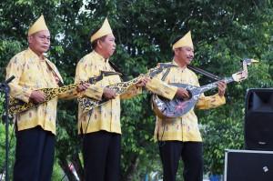 singing contest, nyanyian, Lomba Karungut Putra, Isen Mulang, authentic, Borneo, 中加里曼丹, Indonesia, culture, native, suku dayak, Pariwisata, Tourism, traditional, tribal, tribe