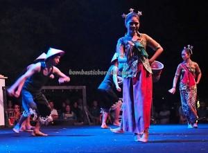 Lomba Jagau, Isen Mulang, Indigenous, culture, Festival Budaya, event, carnival, Central Kalimantan, 中加里曼丹, native, Obyek wisata, Tourism, traditional, travel guide, tribal, backpackers,