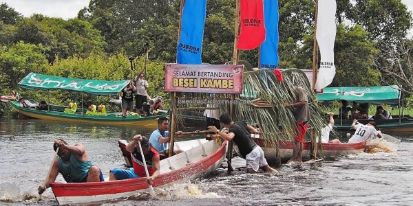 Lomba Besei Kambe, Festival Budaya, indigenous, backpackers, Borneo, Central Kalimantan, 中加里曼丹, culture, event, Kahayan bridge, Kahayan River, Pariwisata, Sports, tourist attraction, travel guide, tribal,
