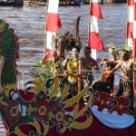 River Parade, festival budaya, Authentic, backpackers, Borneo, 中加里曼丹, Indonesia, Palangkaraya, cultural dance, Ethnic, event, Sungai Kahayan, Pariwisata, tourist attraction, travel guide, tribal,