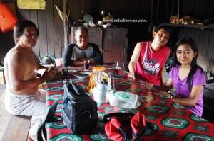 indigenous, backpackers, Borneo, Indonesia, Desa Tumbang Malahoi, Gunung Mas, Rungan, Rumah Betang Toyoi, Dayak Ngaju, native, longhouse, Obyek wisata, Traditional, Tourism, tribe, village
