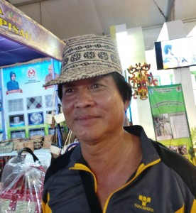 authentic, backpackers, Borneo, Kalteng, 中加里曼丹, Kota Palangka Raya, event, Carnival, native, Suku Dayak, Obyek wisata, Pariwisata, Tourism, tourist attraction, traditional, travel guide,