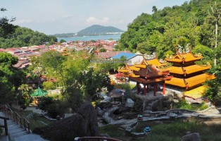 backpackers, laut, Island, Perak, destination, family vacation, fishing village, 福临宫, Sungai Pinang, tourist attraction, travel guide, 旅游景点, 邦咯島, 马来西亚, 霹靂州