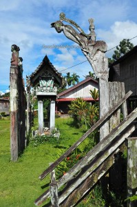 authentic, Borneo, Kalimantan Tengah, Indonesia, culture, Dayak Ngaju, native, homestay, tourist attraction, longhouse, travel guide, tribal, tribe, village, Palangkaraya, sculptures,
