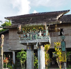 tomb, ancestral bone house, Hindu Kaharingan, religion, authentic, indigenous, Borneo, Desa Tumbang Malahoi, Gunung Mas, culture, Dayak Ngaju, longhouse, tourist attraction, travel guide, tribal, traditional
