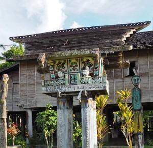 tomb, ancestral bone house, Hindu Kaharingan, religion, authentic, indigenous, Borneo, Desa Tumbang Malahoi, Gunung Mas, culture, Dayak Ngaju, longhouse, tourist attraction, travel guide, tribal, traditional