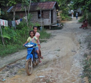 adventure, authentic, indigenous, Borneo, Indonesia, Rumah Betang Toyoi, culture, traditional, Dayak Ngaju, native, longhouse, Obyek wisata, Tourism, travel guide, tribe, village