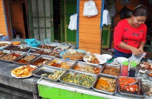 local food, culture, dayak, native, Ethnic Banjarese, Borneo, street market, obyek wisata, Tourism, tourist attraction, tradisional, traditional, travel guide, village, 馬辰