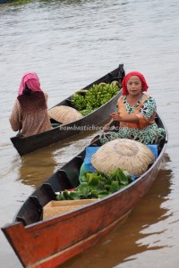 Pasar Terapung, Floating Market, Lok Baintan, klotok, Boat ride, culture, Borneo, Kota Banjarmasin, river city, Sungai Martapura, obyek wisata, Tourism, traditional, travel guide, 南加里曼丹 旅游景点