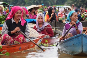 Pasar Terapung, Floating Market, Lok Baintan, klotok, culture, Indonesia, Kota Banjarmasin, river city, Sungai Martapura, obyek wisata, Tourism, tourist attraction, tradisional, travel guide, village, 婆罗州 旅游景点