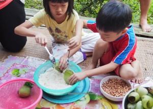 rural village. mini library, exotic food, delicacy, glutinous rice, authentic, Highlands, Kampung Sapit, Padawan, Kuching, Malaysia, Community Service, native, dayak bidayuh, Non Profit Organization,