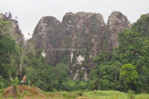 Limestone Hills, caves, hamparan bukit kapur, Karst topography, adventure, nature, outdoors, Borneo, Indonesia, Kalsel, ecotourism, tourist attraction, travel guide, village, 婆罗州石灰岩山