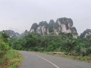 Limestone Hills, caves, hamparan bukit kapur, Karst topography, adventure, nature, outdoors, Cantung, Kotabaru, Kalsel, ecotourism, Obyek wisata, tourist attraction, village, 婆罗州石灰岩山