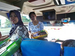 backpackers, Tourism, Kalimantan Selatan, East Kalimantan, bus, transportaion,