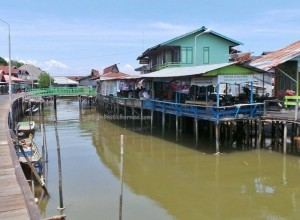 traditional, destination, Kota, Indonesia, Kalimantan Timur, fishing village, kampung, outdoor, tour guide, Tourism, tourist attraction, obyek wisata, 东加里曼丹, 婆罗州, 旅游景点