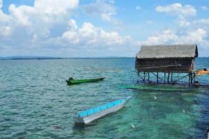 boat ride, authentic, fishing village, Pulau Tihi Tihi, Island, Bontang Selatan, East Kalimantan, objek wisata alam, rumput laut, seaweed farming, tour guide, Tourism, tourist attraction, traditional, 婆罗州旅游景点