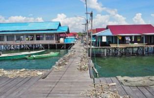 authentic, suku Bugis, backpackers, destination, water village, Borneo, rumput laut, seaweed farming, tour, travel guide, Tourism, tourist attraction, traditional, 婆罗州, 旅游景点