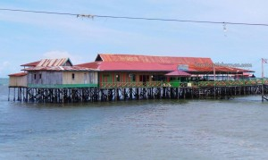 authentic, backpackers, destination, Bontang Kuala, Borneo, fishing village, kampung, outdoor, tour guide, Tourism, tourist attraction, obyek wisata, 东加里曼丹, 婆罗州, 旅游景点