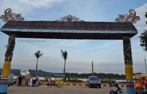 Kumala island, promenade, waterfront, backpackers, destination, Borneo, Indonesia, East Kalimantan, Kota Tenggarong, kutai kartanegara, Obyek wisata, Tourism, tourist attraction, travel guide,