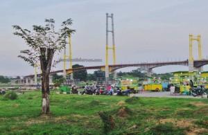 promenade, waterfront, bridge, backpackers, destination, Borneo, Kalimantan Timur, Kutai Kartanegara, Tourism, tourist attraction, travel guide, 东加里曼丹, 婆罗州, 旅游景点