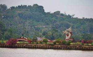 promenade, waterfront, bridge, backpackers, destination, Borneo, Indonesia, Kutai Kartanegara, Tourism, obyek wisata, travel guide, 东加里曼丹, 婆罗州, 旅游景点