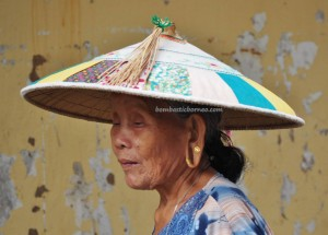 backpackers, destination, Borneo, Kapit, Dayak Kayan, Orang Ulu, tribal, town, local market, Tourism, tourist attraction, traditional, travel guide, 沙捞越婆罗州,