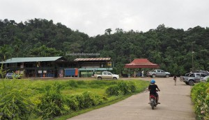authentic, indigenous, destination, Sungai Balui, Rajang river, Borneo, Dayak, native, durian, fish, Transportation, local market, Tourism, travel guide, 沙捞越婆罗州,