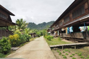 authentic, backpackers, rumah panjang, village, Borneo, Interior, Dayak, native, tribal, tribe, Tourism, traditional, travel guide, 沙捞越婆罗州, 长屋旅游景点
