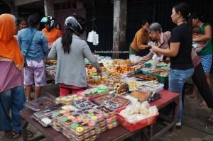 pasar, backpackers, Dayak Kanayatn, native, Borneo, Kampung Budaya, tradisional, Obyek wisata, Tourism, tourist attraction, travel guide, 西加里曼丹, 婆罗洲, 旅游景点,