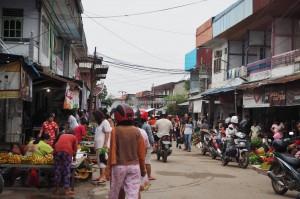 Keraton Ismahayana, authentic, backpackers, Dayak Kanayatn, native, pasar, Borneo, Indonesia, Landak, Kampung Budaya, traditional, Tourism, tourist attraction, travel guide, 西加里曼丹,
