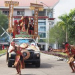 cultural parade, Paddy Harverst Festival, authentic, Dayak Kanayatn, native, tribe, Borneo, West Kalimantan, Landak, Tourism, obyek wisata, traditional, travel guide, village, 西加里曼丹丰收节日,