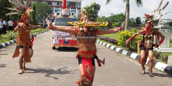 Naik Dango, Gawai Padi, indigenous, Dayak Kanayatn, ethnic, native, tribal, Indonesia, Borneo, Ngabang, Tourism, traditional, tourist attraction, travel guide, 婆罗洲丰收节日
