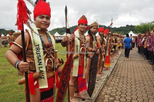 Gawai dayak, paddy harvest festival, Lun Bawang, traditional, culture, Borneo, Lawas, Limbang, Ethnic, tribe, orang asal, Tourism, travel guide, transborder, backpackers, 砂拉越丰收节日