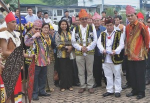 Gawai Dayak, paddy harvest festival, event, traditional, thanksgiving, culture, Borneo, Limbang, Malaysia, native, Ethnic, Orang Ulu, travel guide, transborder, backpackers, 老越砂拉越,