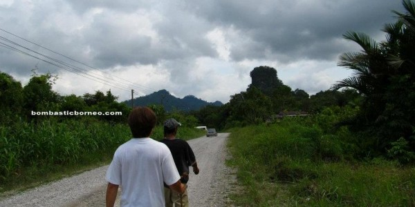 adventure, nature, outdoor, backpackers, native, Borneo, Malaysia, Bau, Kuching, Tourism, traditional, Transborneo, travel guide, village,