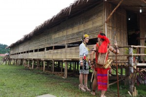 Rumah panjang, Gawai harvest festival, Irau Aco Lun Bawang, authentic, traditional, culture, Borneo, Limbang, Lundayeh, tribal, tribe, Orang Ulu, travel guide, crossborder, backpackers, 老越砂拉越,