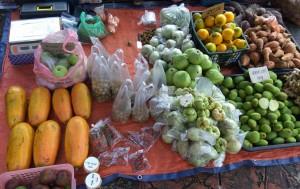 authentic, backpackers, destination, native food, vegetables, Limbang, Malaysia, open-air market, Pasar Tamu, Tourism, tourist attraction, Gawai Dayak, Irau Aco Lun Bawang Festival, 婆罗洲, 老越砂拉越,