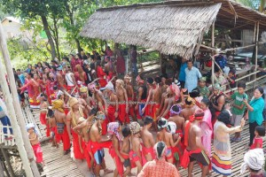 Gawai Padi, authentic, backpackers, Borneo, Indonesia, Kalimantan Barat, Desa Tangguh, Dusun Betung, dayak bidayuh, native, Obyek wisata, culture, Tourism, traditional, transborder, village,