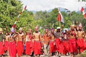 paddy harvest festival, indigenous, Borneo, Indonesia, West Kalimantan, Desa Tangguh, Kampung Kadek, tribal, tribe, tourist attraction, culture, Tourism, traditional, crossborder, travel guide, Bengkayang